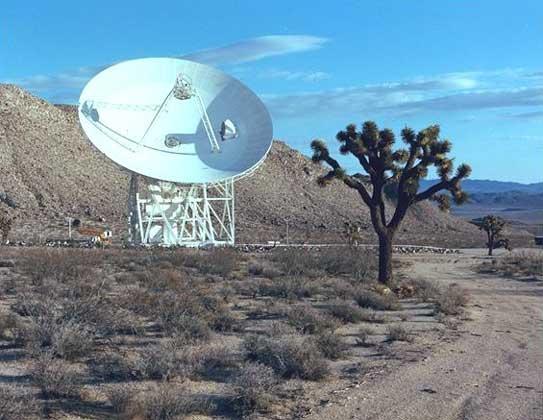 NASA     АНТЕННА системы дальней космической связи (Голдстоун, шт. Калифорния).