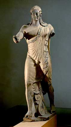 IGDA/G. Dagli Orti ТЕРРАКОТОВАЯ СТАТУЯ АПОЛЛОНА, найденная возле храма в Вейях.