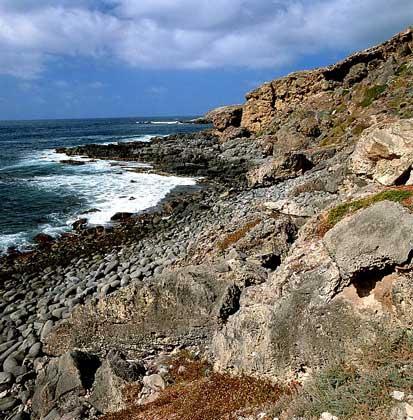 IGDA СКАЛИСТОЕ ПОБЕРЕЖЬЕ ОСТРОВА КЕНГУРУ у южных берегов Австралии.