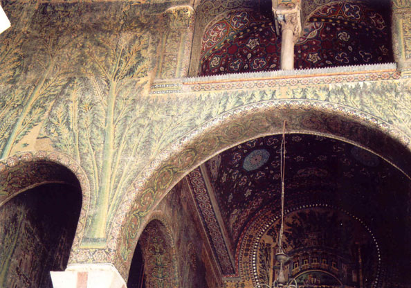 МОЗАИКИ на фронтоне внутреннего фасада мечети Омейадов