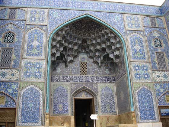 ВХОД в мечеть в Исфахане, Иран